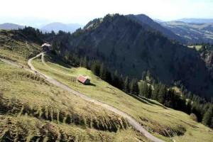 Berghütten im Herbst: Das Staufner Haus am Hochgrat hat noch geöffnet.  Foto (c) kinderoutdoor.de