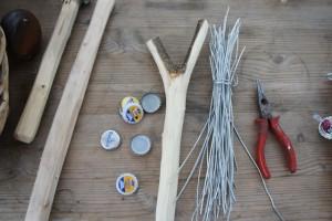 Rassel bauen: Recycling lebt vom Mitmachen! Hier ist das Material dafür. Foto (c) kinderoutdoor.de
