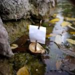 Mit Kastanien basteln: Ein Boot das in fünf Minuten auslaufen kann