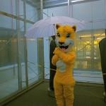 It´s raining again. Gore Text Kleidung testen die Experten im Regenturm.   Foto (c) kinderoutdoor.de