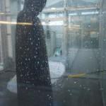Regen von oben und von der Seite. Gore Tex testet realistisch.   Foto (c) kinderoutdoor.de
