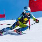 Kinder auf der Piste: Was bei der Wahl von Skiern und Kleidung wichtig ist