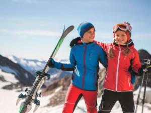 Skibekleidung für Kinder die auf Skitouren gehen: Vaude feiert mit diesen Modellen eine Premiere.  Foto (c) Vaude.com