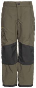 Grün und robust! Vaude bietet mit der Kids Caprea warmlined Pants eine Outdoorhose für den kühlen Herbst an.  Foto (c) Vaude