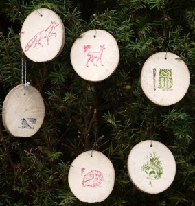 Fertig sind wir mit dem Basteln unserer Weihnachtsdeko. Foto (c) kinderoutdoor.de