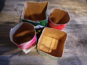 Kerzenständer aus Kreativbeton brauchen eine Form. Wir nehmen dazu leere Tetrapacks her. Foto (c) kinderoutdoor.de