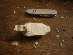 Schnitzen mit dem Taschenmesser: Langsam nimmt unsere Ente ihre Form an. Foto (c) kinderoutdoor.de