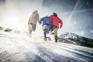 Eine Schnitzeljagd im Winterurlaub, das bietet der Tourismusverband Stubaital Tirol an. Ihr braucht nicht einmal ein Mobiltelefon dazu. Foto (c)TVB Stubai Tirol/Andre Schönherr
