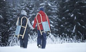 Wer von der Gamsalm los rodeln will, steigt etwa 45 Minuten zu Fuß auf.  Foto (c) Tiroler Zugspitz Arena/Uli Wiesmeier