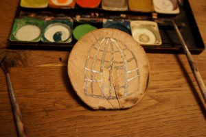 Werken mit dem Taschenmesser: Hier ist der Käfig in den der Papagei passen muss. Foto (c) kinderoutdoor.de