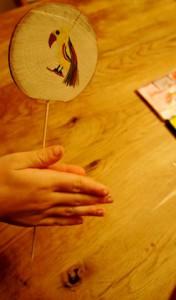 Werken mit dem Taschenmesser: Fertig ist unser Vogerlspiel. Foto (c) kinderoutdoor.de
