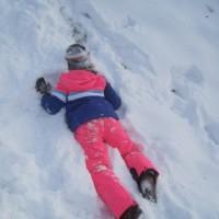 Schnitzeljagd im Schnee: Warme und wasserdichte Kleidung ist extrem wichtig.   Foto (c) kinderoutdoor.de