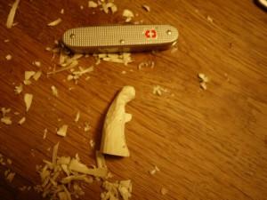 Krippenfiguren selber schnitzen: Unsere Maria ist fast fertig.  foto (c) kinderoutdoor.de