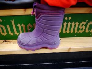Thermostiefel sind Allrounder: Das beweist der Viking Footwear Extreme.  Foto (c) kinderoutdoor.de