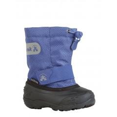 Winterstiefel für Kleinkinder müssen robust und leicht zum Anziehen sein. Das alles ist der Icepop2 von Kamik. Foto (c) Kamik.de
