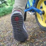 Die richtige Schuhgröße für Kinderschuhe ermitteln