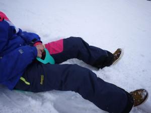 Die Poporutsche ist preiswert und leicht,hält leider selten länger als einen Winter. Foto (c) kinderoutdoor.de
