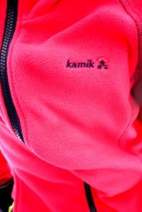 Etwas warmes braucht der Mensch! Kamik stellt die Fleecejacke aus Polarfleece her.  Foto (c) kinderoutdoor.de