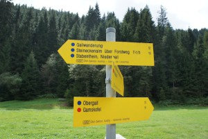 Sicher Bergwandern. Dazu klassifizieren die Alpenvereine ihre Wege. Wer weiß was die Punkte bedeuten, ist im Vorteil. Foto (c) kinderoutdoor.de