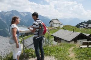 Immer gut orientiert mit der Aletsch Wander App. Foto (c) aletsch arena ag