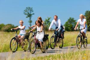 Ortlieb hat einige gute Tipps, wie die Fahrradtour mit der Familie gelingt.  foto (c) Foto: Fotolia c. Kznon