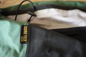 Gore Tex Jacken selber reparieren. Dazu müsst Ihr keine Schneiderlehre absolvieren.  foto (c) kinderoutdoor.de