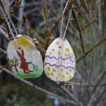 Osterbastelei mit Kindern: Wir schnitzen ein Osterei mit dem Taschenmesser