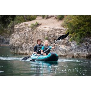 Das Abenteuer ruft mit dem  aufblasbaren Madison Premium Kajak. foto (c) sevylor