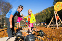 Beim Bergsommer in Tirol sind die Kinder von den Themenwelten in Tux-Finkenberg begeistert.  ©Johannes Sautner  