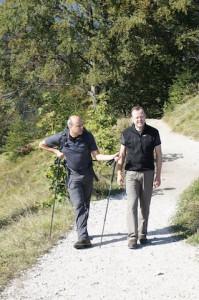 Lukas und Lars Meindl beim Wandern. Ganz klar welche Schuhe sie anhaben.... foto (c) kinderoutdoor.de