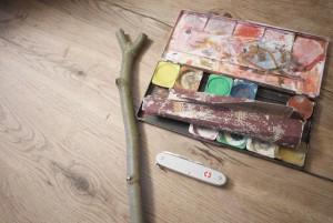 Schnitzen lernen: Ein Rankstab ist perfekt um den sicheren Umgang mit dem Taschenmesser zu üben.  foto (c) kinderoutdoor.de