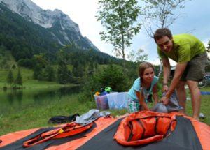 In der Alpenwelt Karwendel ist Trekraft bei den Familien angesagt.  foto (C) Alpenwelt karwendel