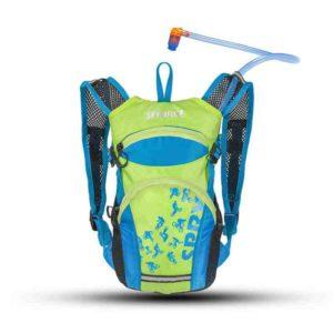Ein Kinderrucksack der das Quengelthema Durst beim Wandern oder Radfahren beendet: Der Spry von Source hat eine Trinkblase mit 1,5 L. Foto (c) source