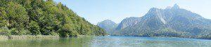 Ein Traum von einem Bergsee: Der Alpsee hat ein wunderschönes Seebad und dort entkommt Ihr der sommerlichen Hitze. foto (c) kinderoutdoor.de