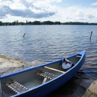 D'ie Jugendherbergen haben ein attraktives Sommerprogramm für Familien: Mit dem Kanu paddeln gehört bei der Jugendherberge in Lübeck dazu.  foto (c) kinderoutdoor.de