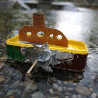 Basteln mit dem Taschenmesser: Unser Schaufelraddampfer auf großerm Fahrt.   Foto (c) kinderoutdoor.de