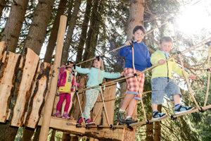 Mit Kindern wandern: Bei Gröden erwartet die Outdoor Kids der PanaRaida.  foto (c) valgardena.it