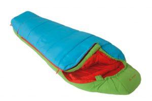 Kinderschlafsack mit grünem Herz: Das Hauptmaterial vom Vaude Dreamer ist bluesign zertifiziert.  foto (c) kinderoutdoor.de