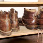 Stinkende Schuhe: Das hilft dagegen! Drei Tipps gegen das Müffeln