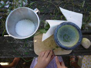 Outdoor Küche Für Kinder Selber Machen : Kräutersalz selber machen kinderoutdoor outdoor erlebnisse mit