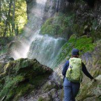 Wandern mit Kindern zum Uracher Wasserfall. Das Wandermagazin wählte diese Tour zum schönsten Wanderweg Deutschlands 2016.   foto (c) kinderoutdoor.de