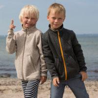 Aus Strickfleece ist die Kinderfleecejacke bestfriend von elkline hergestellt. Ein richtiger Hingucker.  foto (c) elkline