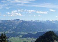 Zwischen Weiherkopf und Riedbergerhorn befindet sich das Berghaus Schwaben. Eine spektakuläre Fernsicht bietet sich dort oben.  foto (c) kinderoutdoor.de