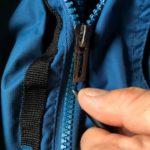 Reißverschluss der Outdoorkleidung reparieren