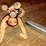 Basteln mit Kastanien: Eine lustiger Affe