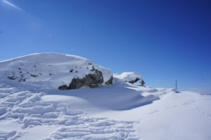 Skitouren mit Kindern: Wer hoch hinaus will, der braucht auch Steigfelle die exakt passen.  foto (c) kinderoutdoor.de