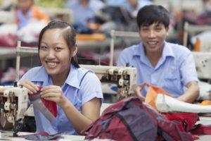 Deuter zeigt in seinem Social Report 2015 wie sich das Unternehmen um faire Arbeitsbedingungen bemüht.  foto (c) Deuter