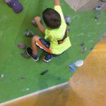 Bouldern mit Kindern in der Kletterhalle: Fünf Tipps für Einsteiger