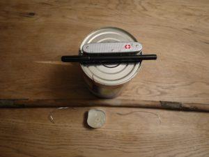 Laterne basteln aus einer Dose: Hier ist unsere übersichtliche Materialliste. foto (c)kinderoutdoor.de