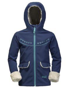 Jack Wolfskin Softshell-Jacke für Kinder: Das Cold Breeze Jacket Girls schützt die Outdoorkids an kalten Tagen.  foto (c) jack wolfskin